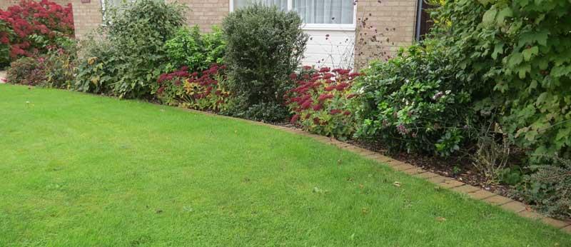 Garden landscaping vennells landscapes for Garden design jobs essex
